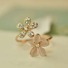 Opal Double Daisy Flower Adjustable Ring Cute Brand Design Rhinestone Hot Sale Rings For Women Fine Jewelry 2015 New 2R019(China)