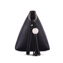 New Simple And Stylish Messenger Bag Original Theatrical Fashion Cute Fringed Shoulder Bag Saddle Bag Semicircle Hot Sale