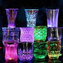 Water Liquid Activated Light Cup Plastic Cups Mug Color Change Flash blinking LED Beer Whisky Glass Cup Bar Club Night Party