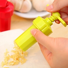 1Pc Garlic Press kitchen accessories cooking tools stir garlic peeler crusher twist novelty house Kitchen Good Helper(China)
