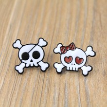 Fashion Cute Cartoon Skull Head  Metal Brooch Pins Button Pins Jeans Decoration For Women Gift Wholesale