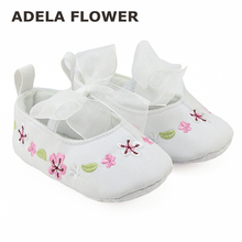 Baby Girl Shoes First Walker Sapatos Menina Blanco Soft Bottom Ribbon Bow Embroidered Flower Girls Newborn Baby Prewalker Shoes