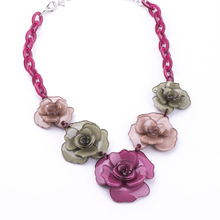 2017 Spring New Collection Fashion Beautiful Resin Clover Flower Necklaces & Pendants For Young Girl Gift Jewelry
