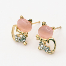 2017 ADOMANER Korean Version Of The Cute Small Animal Stud Earrings, Cat Bridal earring China Costume Jewelry Wholesale.