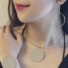 New Fashion Jewelry Cool Metal Round Design Collar Necklace Gift for Women Girl Minimalist Metal Medallion Necklace Female