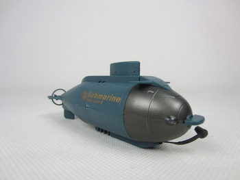 HappyCow 777-216 Mini Remote Control Racing Submarine RC Mini Boat RC Submarine RC Toys For Kids With 40MHz RC Transmitter FSWB