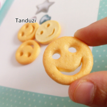 Tanduzi 20PCS Cute Resin Fried Food Miniature Potato Cake Smile Face Potato Flatback Cabochon Dollhouse Decoration DIY Fake Food(China)