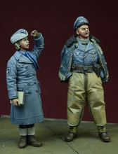Free Shipping 1/35 Scale Unpainted Resin Figure WW2 German commander and secretary 2 figures collection figure