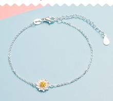 Hot Sell silver plated Daisy bracelet chrysanthemum pendant charm link chain wedding jewelry cute bangles drop shipping(China)