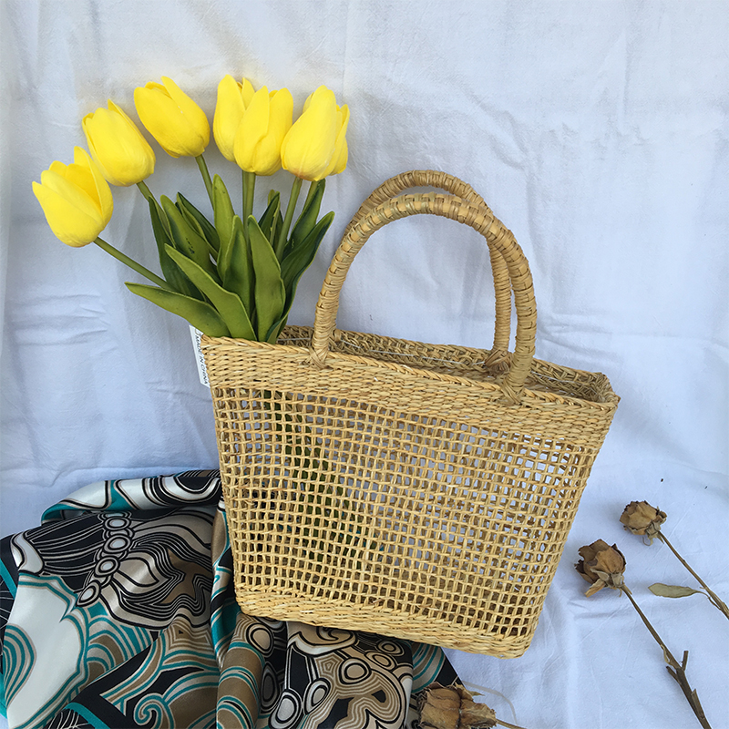 Lydian Hollow Out Beach Bag 2018 New Europe Women Bags Retro Fashion Totes Travel Seaside Hemp Clutch Khaki ,Put Flowers Handbag<br>
