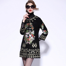 New Autumn Winter Fashion Coat 2017 Women Three Quarter Sleeve Keys And Flowers Embroidery Black And Red Woolen Overcoat(China)