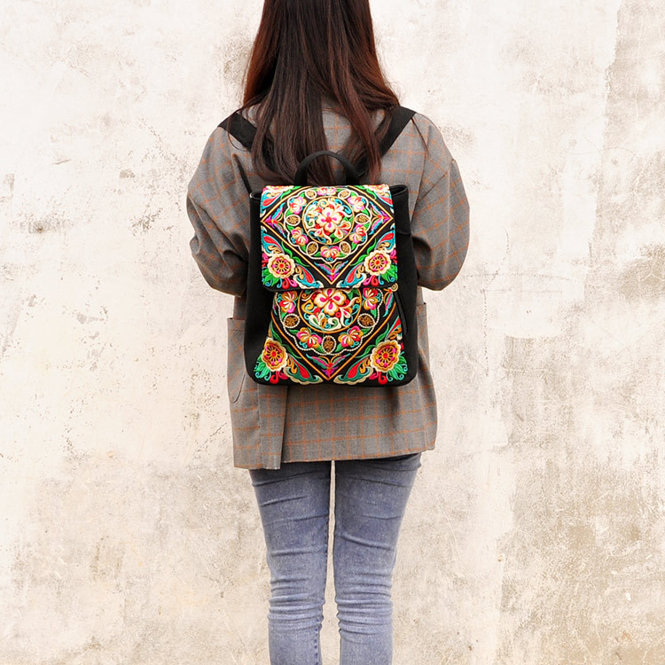 Hot Fashion Children gift Embroidery Ethnic Nice Embroidered Bags Travel Shoulder Bag Canvas Leisure Coin Flower Printing Bag<br>