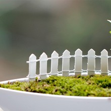 New 20pcs Mini Small Fence Barrier Wooden Craft Miniature Fairy Garden Terrarium Branch Palings Showcase Decoration 10 Colors(China)