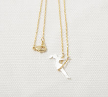 Daisies One Piece Pendant Necklace tiny simple everyday charm swing girl gift wedding For Girl Women