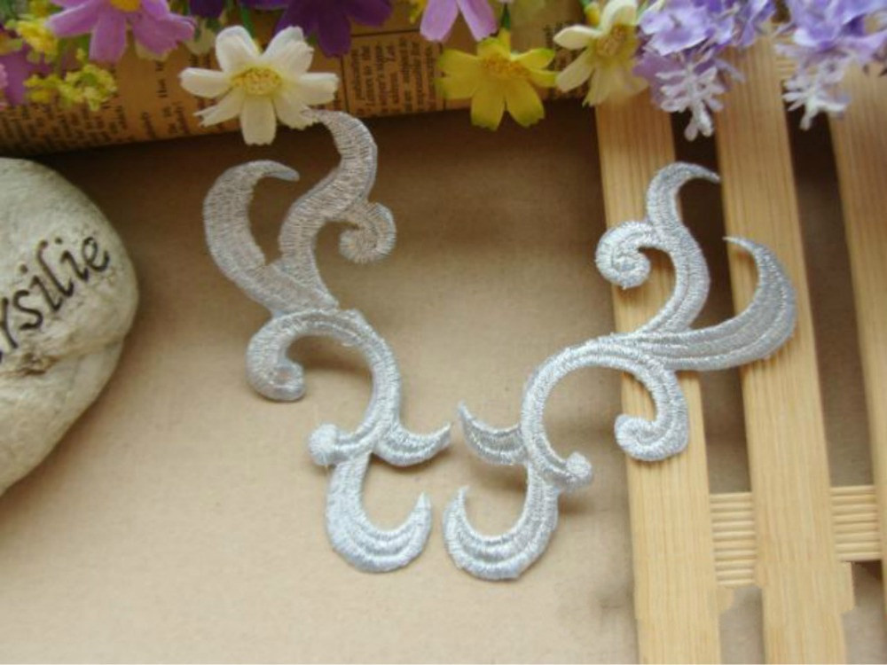10Pairs/1Lot Embroidered Silver Motif Flower Propitious Clouds Sew On Iron On Patches Applique DIY Lace Clothing Accessory(China (Mainland))
