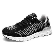 2017 New Man and Women Running Shoes Breathable Mesh Brand Sports Shoes Light Lace-up Outdoor Men Athletic Trainers Sneakers 87