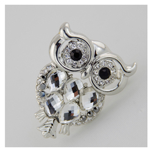 Silver-color metal inlay crystal glass and rhinestone owl brooches Rope hole of other side can be used for pendant  B5060