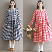2017  New Spring Summer Female Retro Fan Art Institute Wind Loose Cotton Long Sleeved Plaid Dress