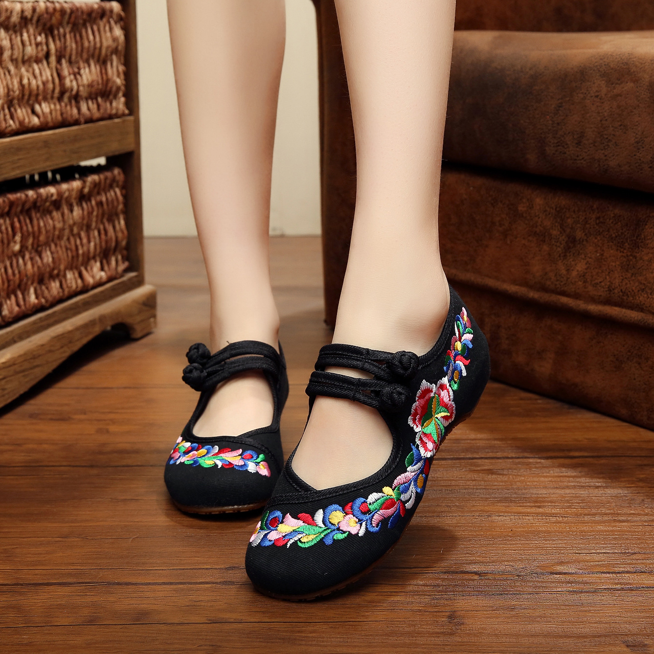 New casual fashion flower embroidery women canvas shoes autumn flats shoes for ladies dance shoes chaussure femme<br><br>Aliexpress