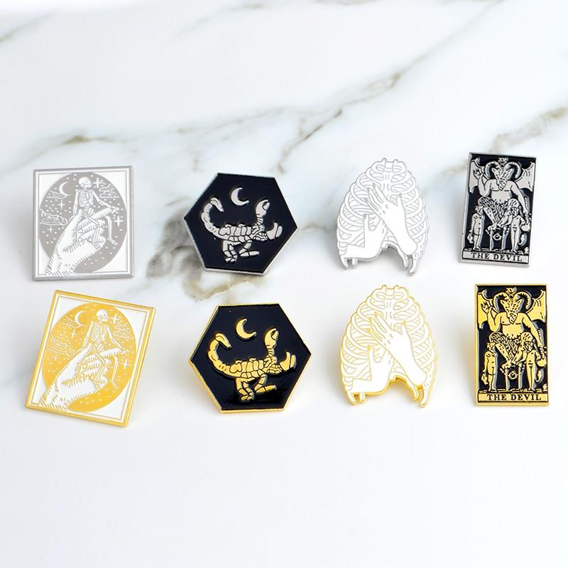Gothic-Dark-Devil-Scheletro-Polmone-Mano-Scorpion-Spilla-Smalto-Oro-Argento-Pins-Sacchetto-Pulsante-Bavero-giacca (1)