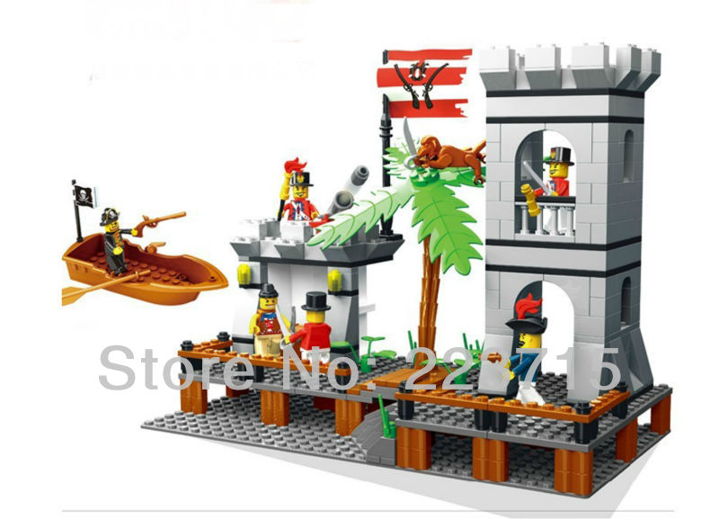 Free Shipping!*Pirate attack island* DIY enlighten block bricks,Compatible With other Assembles Particles<br>