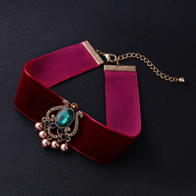 Luxury Red Velvet Choker Necklace 2017 Hot Sale Imitation Pink Pearl Green Vintage Necklace Indian Maxi Necklace Collar Party
