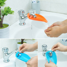 2017 Cute Bathroom Sink Faucet Chute Extender Crab Children Kids Washing Hands 2 Colors Bathroom Water Faucet V3770