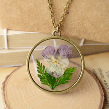 Stunning Real Dried Purple White Flowers Green Leaf Necklace Women Girls Vintage Handmade Epoxy Pressed Flower Jewellery nxl056