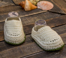 Egg shell white and olive green baby boy hand crocheted booties, crocheted baby snickers, crochet baby shoes