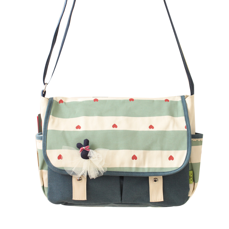Autumn and winter shoulder bag student teen age girls cross shoulder bag with hearts and striped print canvas mori girl bookbag<br>