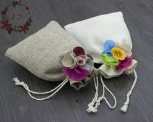 30pcs Rustic Burlap Wedding Favor Bags w/ Jute Flowers Decor for Party Gift Bag, Jewelry Packaging, Herbs Bag, Sachets DZ0031