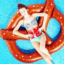 Factory direct water supplies PVC inflatable bread ring floating manufacturers custom swimming ring hot selling