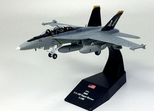 AMER Elaborate Edition 1/100 F/A-18F Super Hornet battle attack machine model Pirate flag squadron Alloy collection model(China)