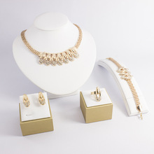 2017 Wholesales New Design African Indian Fashion Brand Gold Imitation Jewel Jewelry Sets Wedding Necklace Set for Women