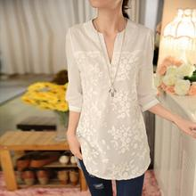 2017 New Summer Korean Women Blouse Flower Print Blouse V-neck Organza Embroidered Shirt White Lace Blouse 566F 25