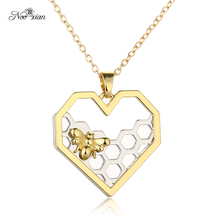 Gloden Bee Necklace Heart Shaped Honeycomb High-grade Necklace Dainty Cute Bee Necklace Best Gift for Her Christmas Gift
