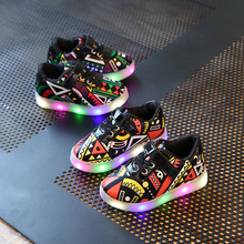 Children LED Shoes 2017 New Toddler Spring Luminous Printed Kids casual shoes for Baby girls Boys led Shoes with lights EU 21~30