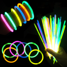 100Pcs/lot Multi Color Glow Stick Light Bracelets for Party Hot Dance Christmas Decoration Accessory Kids Gifts Toys 2015 New(China)