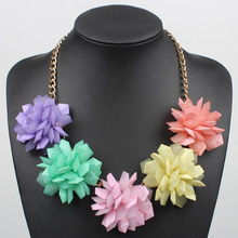 Trendy Colorful Jelly Clear Plastic Flowers Lady's Women's Exaggerated Fashion Choker Necklace Party Jewelry 16 Colors