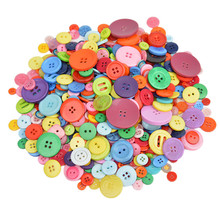 600pcs Plastic Buttons For Kids DIY Crafts Scrapbooking Decorative Clothing Sewing Accesorries Children's Resin Button(China)