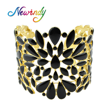 Newindy Steampunk Style Large Bracelets Gold-Color With White Black Stone Flower Pattern Open Cuff Statement Bangle For Women(China)