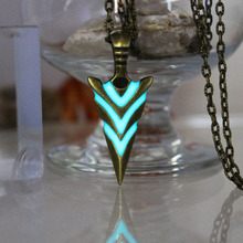 Glowing Green Arrow necklace Knight spear Necklace GLOW in the DARK Luminous pike Pendants & Necklaces women MEN boys girls gift(China)