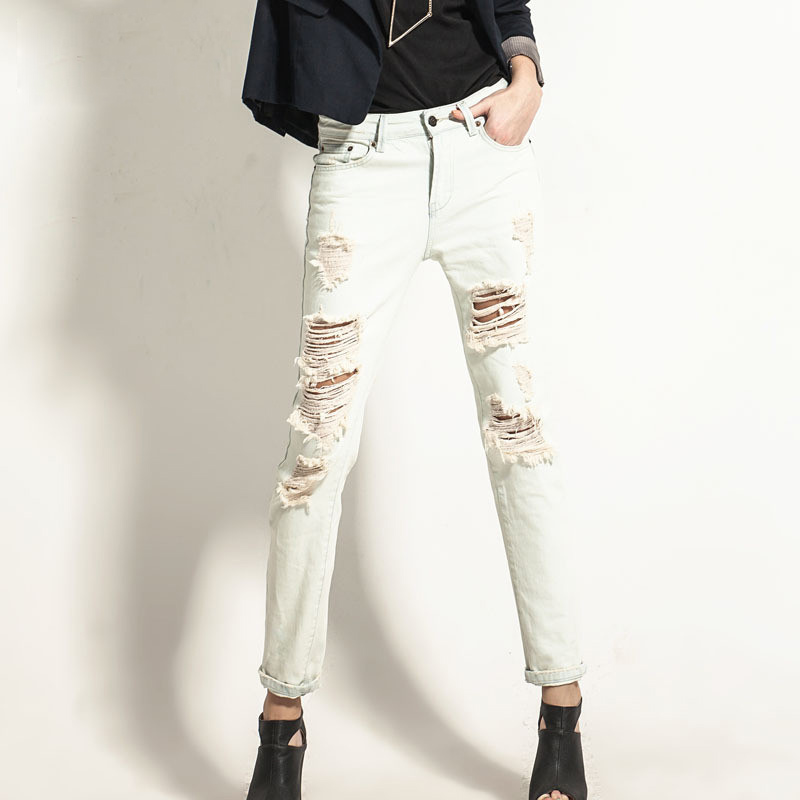 2017 Spring And Summer Fashion Casual Women Vintage Mid Waist Denim Jeans Slim Ripped Jeans Hole White Pants Harlan Wind WWN16Одежда и ак�е��уары<br><br><br>Aliexpress