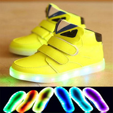 2017 European fashion funny design shoes girls boys boots LED light toddler first walkers Cute casual baby shoes free shipping(China)
