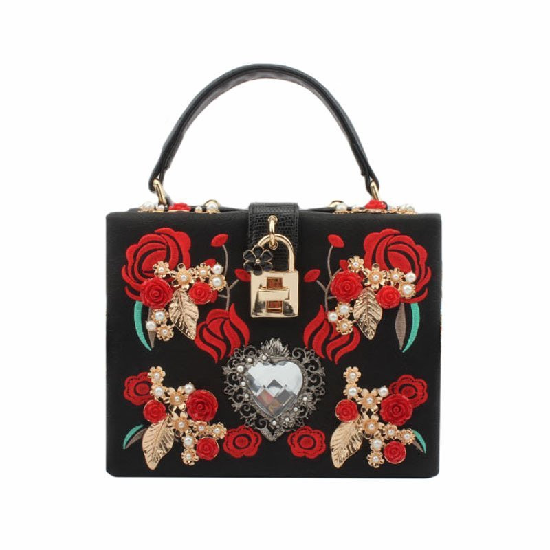Luxurious Heart-Shaped Diamond Pearl Rose Embroidery Design Fashion Party Handbag and Purse Shoulder Bag Red Flowers Evening Bag<br>