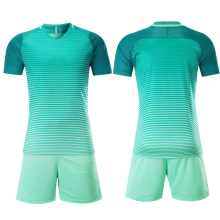 2016 New Design Stock Soccer Uniform green color available