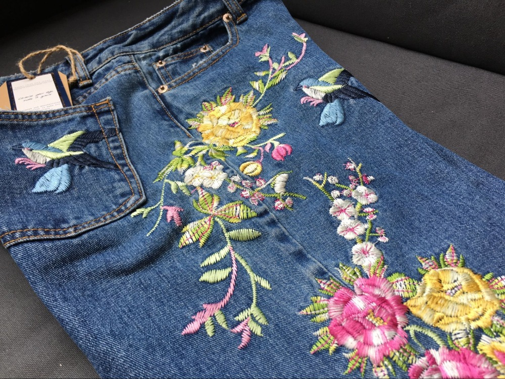 2017 Europe and the United States women's three-dimensional 3D heavy craft bird flowers before and after embroidery high waist Slim straight jeans large code system 46 yards (20)