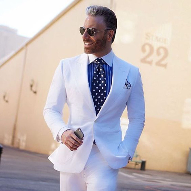 2019 New Style 2 pieces White Men Smoking Blazer Skinny Mens Wedding Suits Groom Wears Terno Masculino