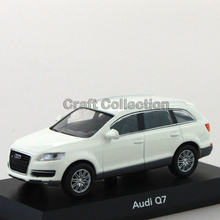 White 1:64 Kyosho Diecast Car Model for Q7 Luxury SUV Collections