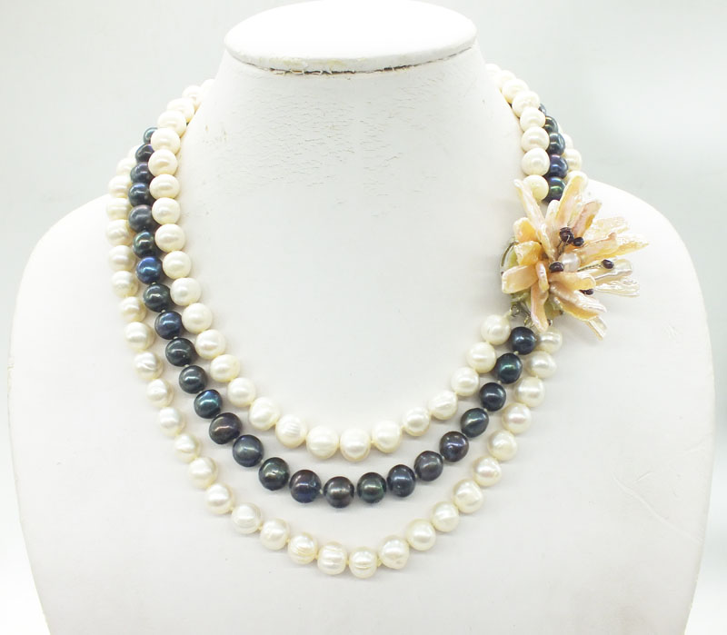 Very beautiful 3 rows Natural white  black 10-11MM Freshwater pearl necklace